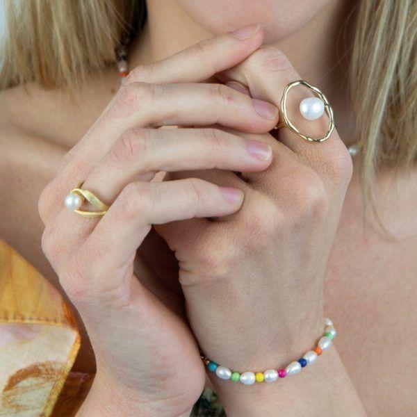 Pulsera a juego con la gargantilla con pulsera de perla natural y piedras de colores