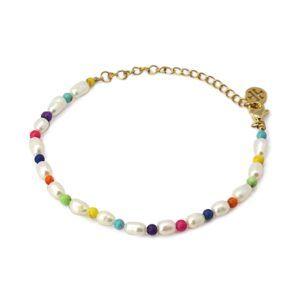 Vista de la pulsera a juego con la gargantilla con pulsera de perla natural y piedras de colores
