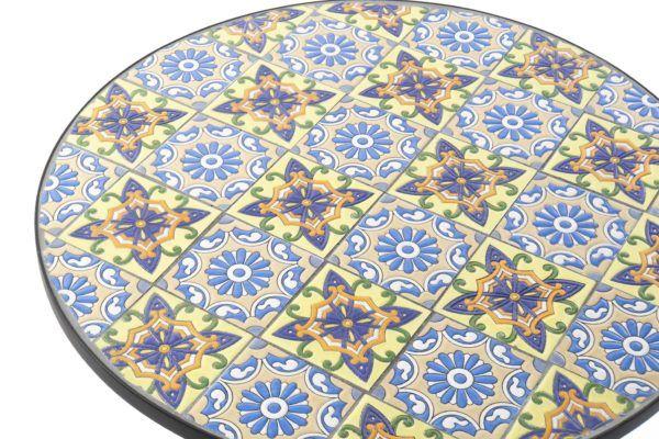 Pequeña mesa mosaico baldosas