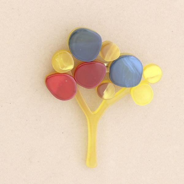 Broche árbol pasta colores. Amarillo