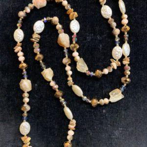 Collar tostados piedra natural y cristal