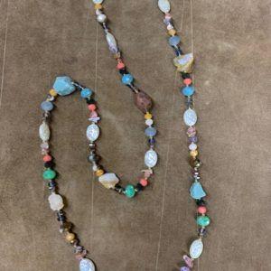 Collar multicolor piedra natural y cristal