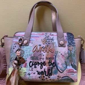 "Bolso Anekke mano y colgar. ""Change the world"". Frontal"