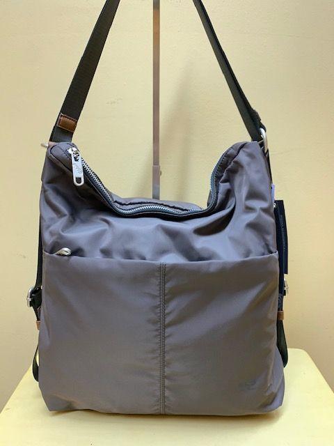 Bolso mochila de nylon KCB. Marrón