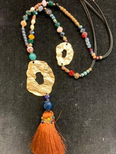 Collar largo multicolor fleco piezas irregulares