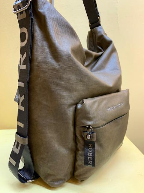 Bolso y mochila de Robert Pietri en lona plastificada. Verde