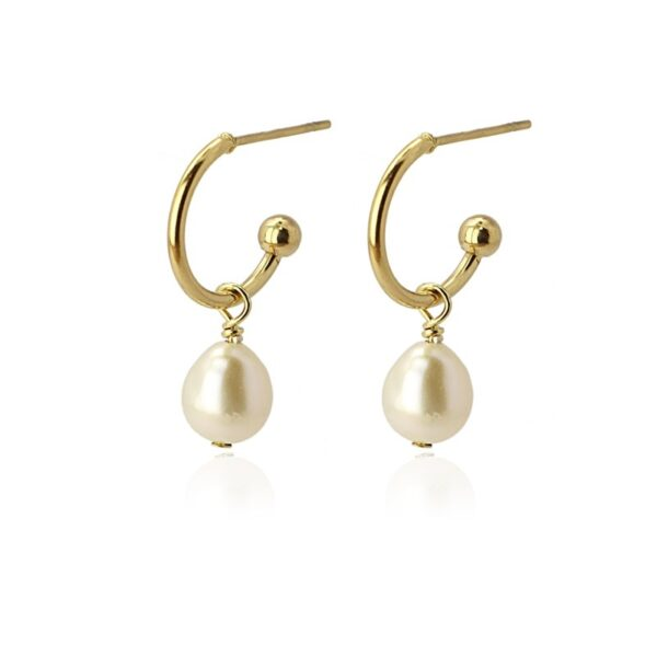 Pendientes de aro pequeños con perla natural. Dorados