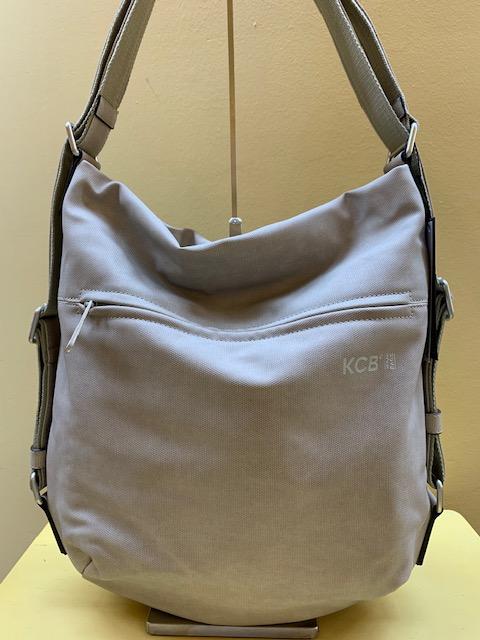 Bolso y mochila tipo saco plastificado de Kcb. Beige