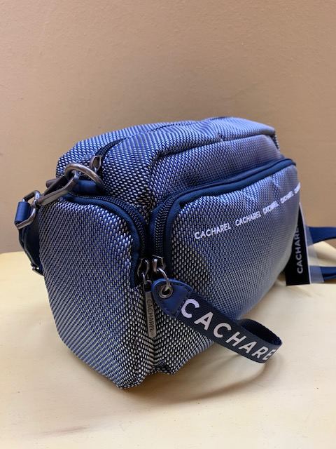 Bolso multibolsillos ultraligero nylon de Cacharel. Azul, vista lateral