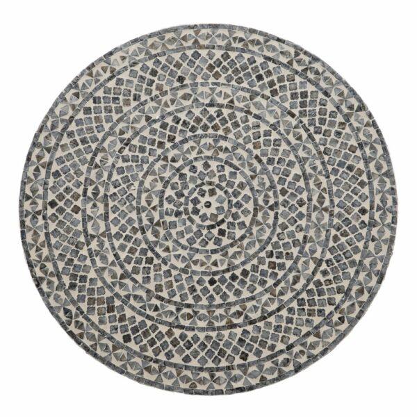 Mesa de centro con mosaico de nácar en gris y blanco. Vista del sobre