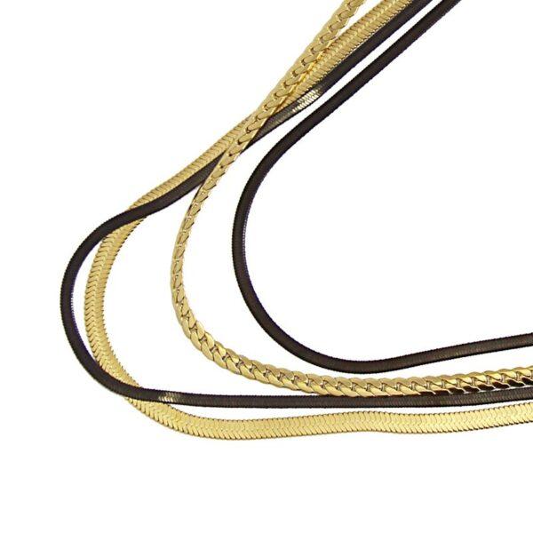 Gargantilla cuatro vueltas snake de acero bicolor Anartxy. Vista detalle parcial