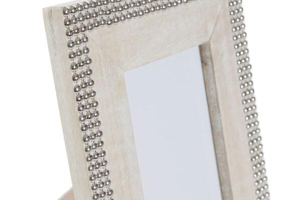 Marco de fotos madera mango maciza con tachuelas plata. Detalle de las tachuelas