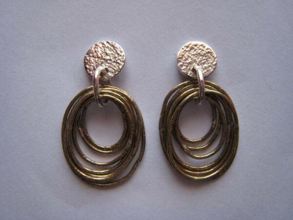 Pendientes de plata con seis aros ovalados de bronce