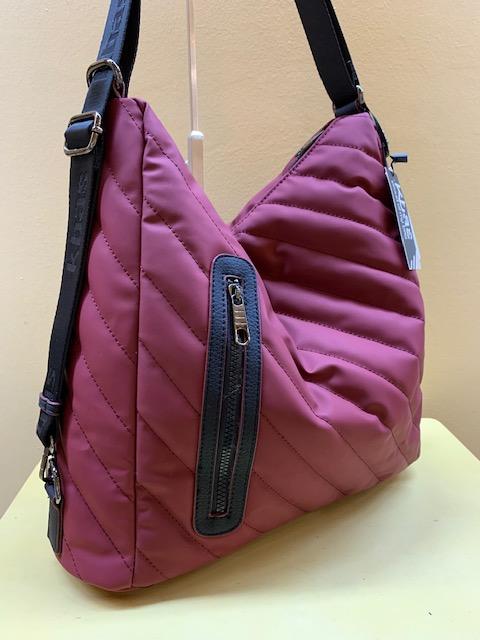 Bolso y mochila acolchado diagonales de Kbas. Granate visto de lado